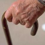 Pannoloni agli anziani, interrogazione urgente